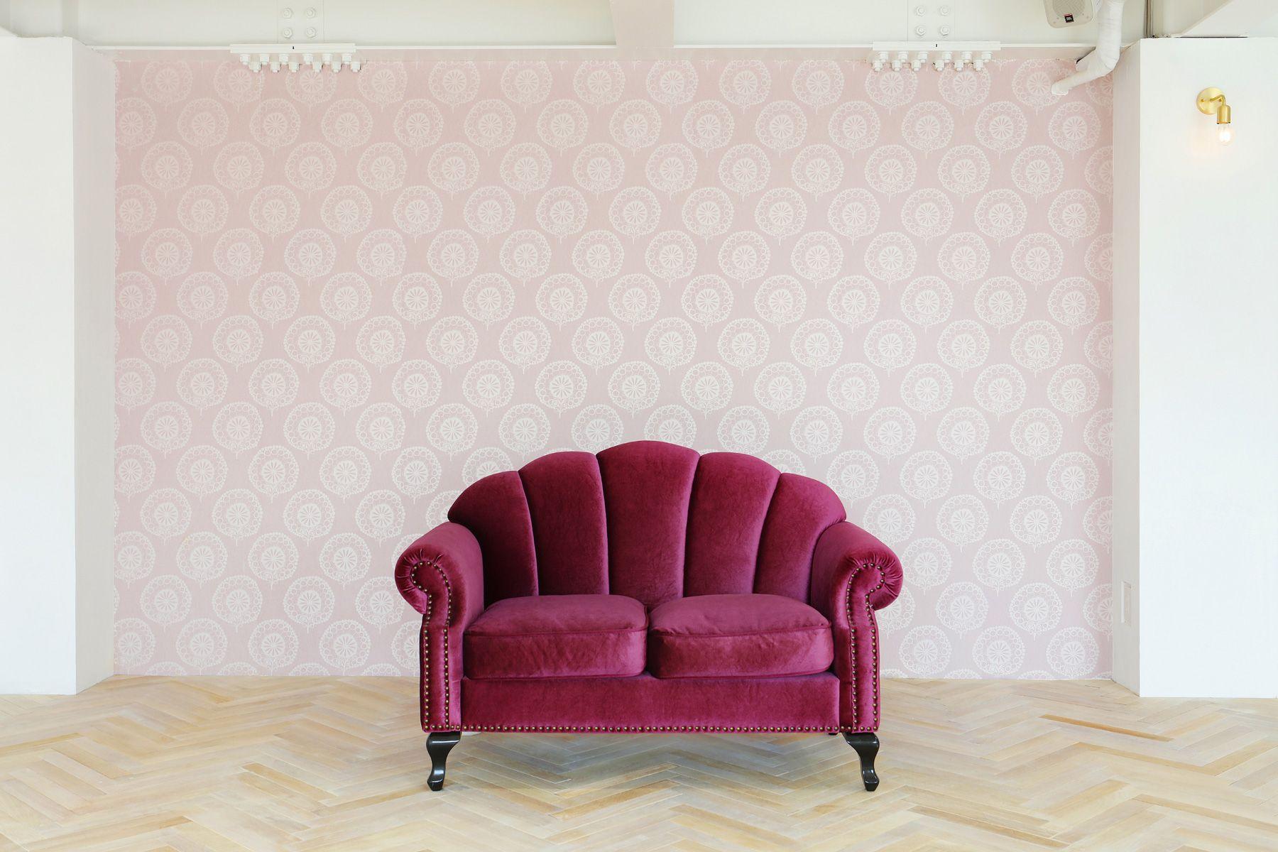 studio limll(スタジオ リムル)2F右側ピンクの壁紙