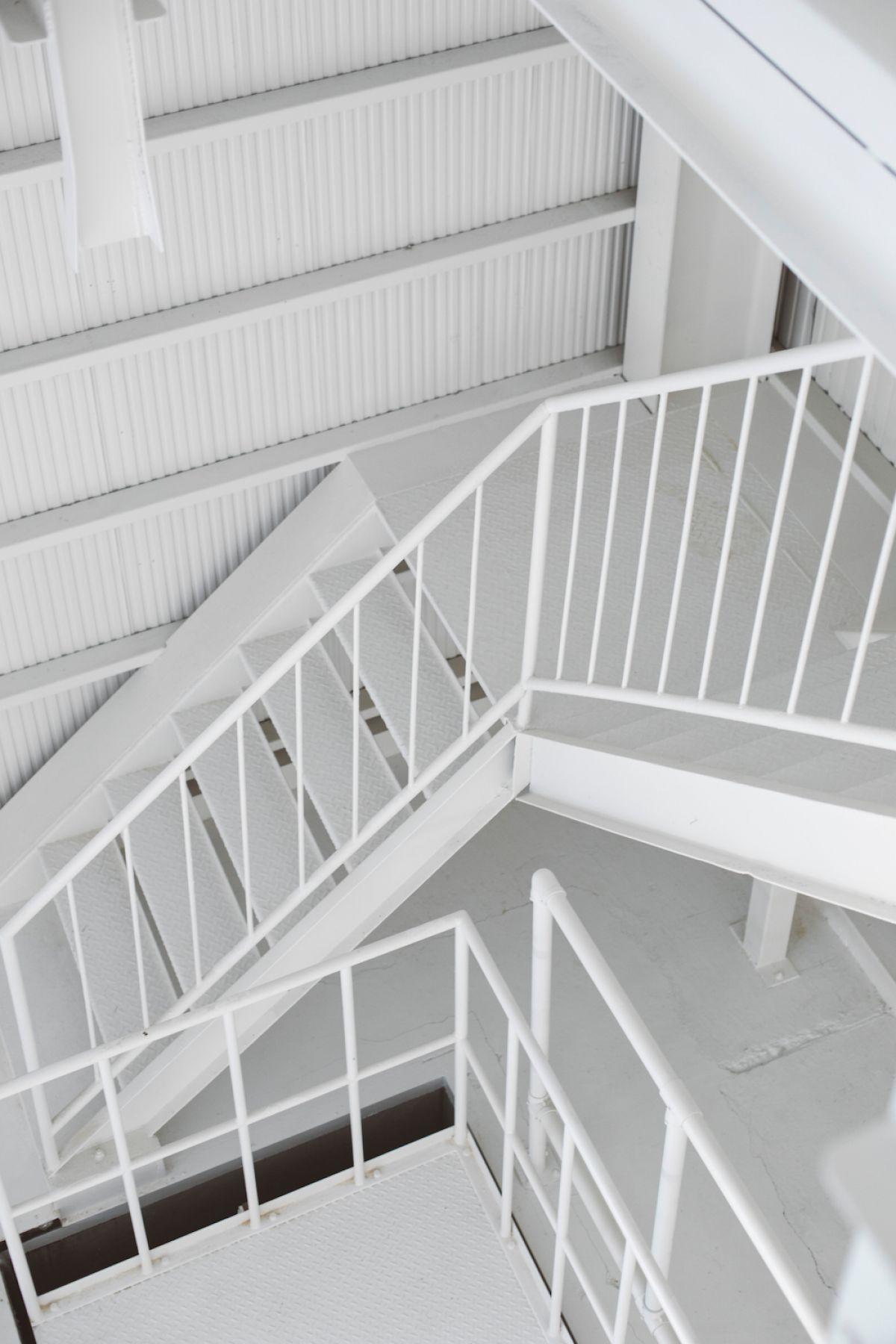 Kamata Souko (カマタ ソウコ)階段