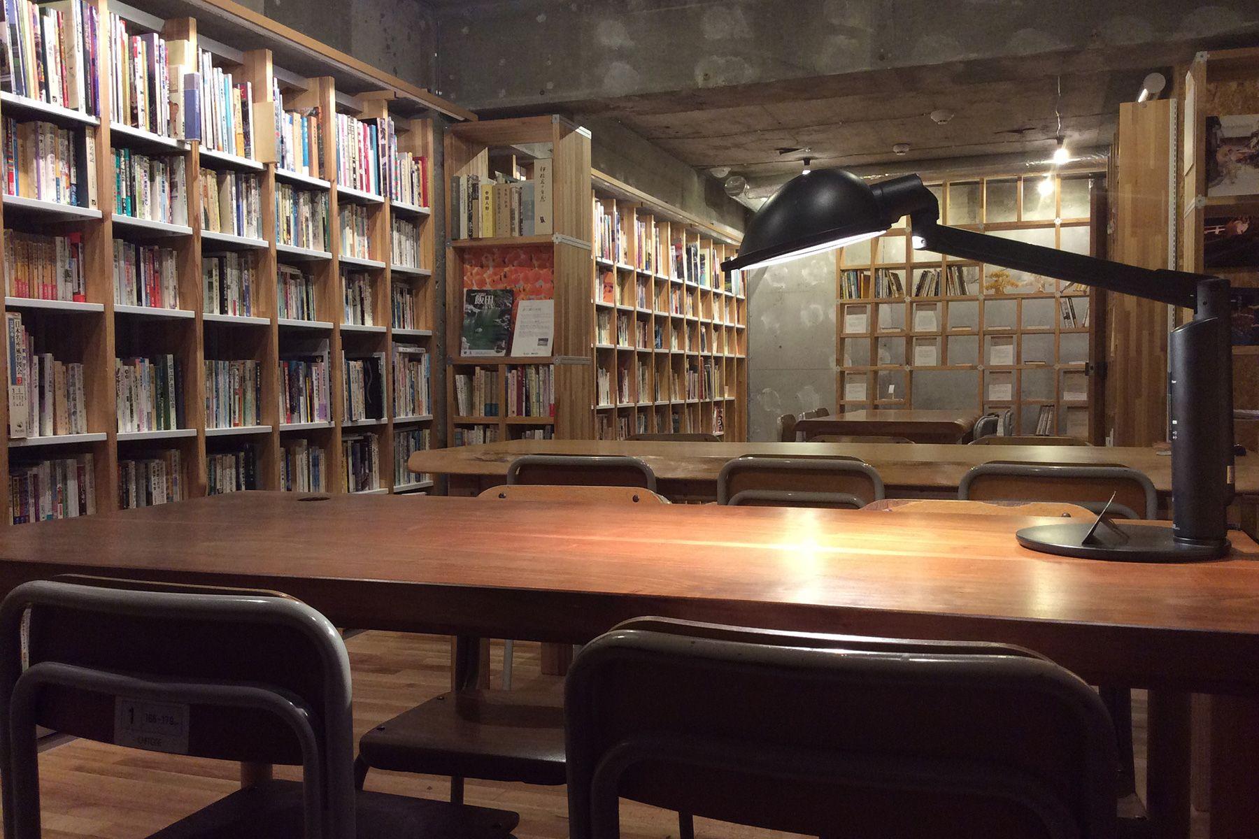 KAIDO books&coffee (カイドブックスアンドコーヒー)2F