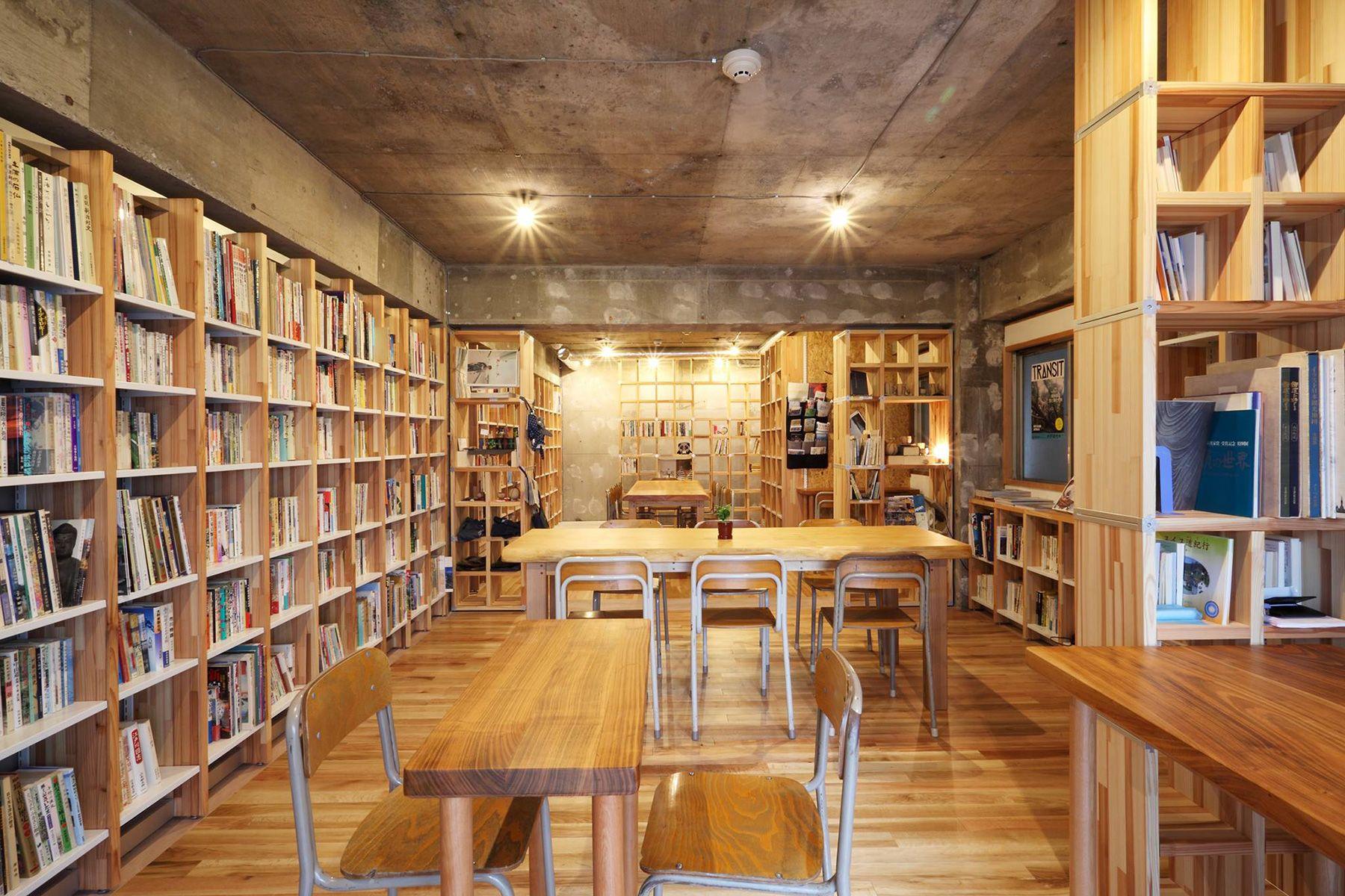 KAIDO books&coffee (カイドブックスアンドコーヒー)2F LED照明(調光可能)