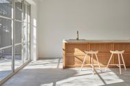 Haku Studio / THE HOUSE (ハクスタジオ):光が差し込む大きな窓