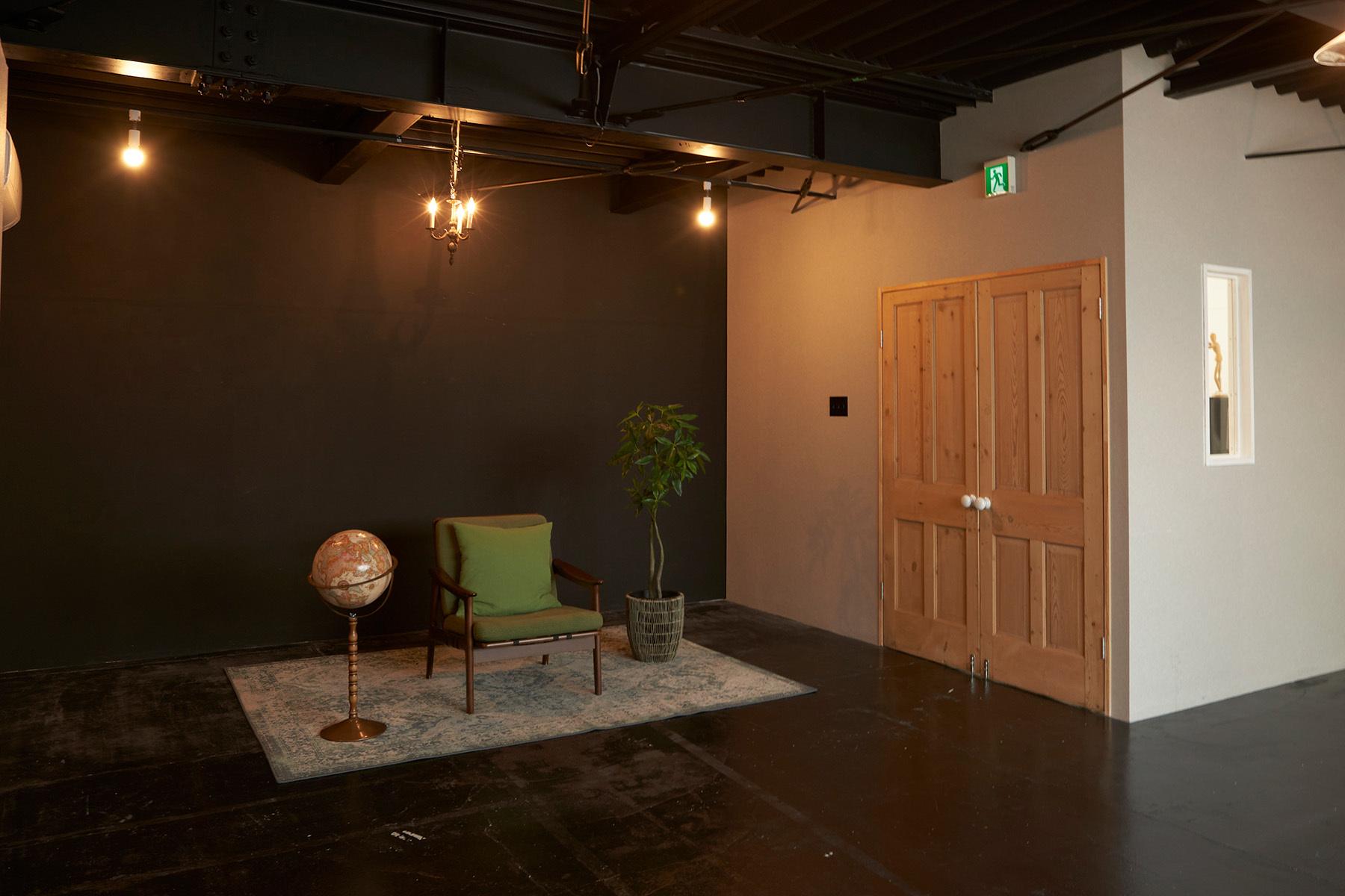 ACCA STUDIO (アッカスタジオ)2F/Bstマットブラックの壁