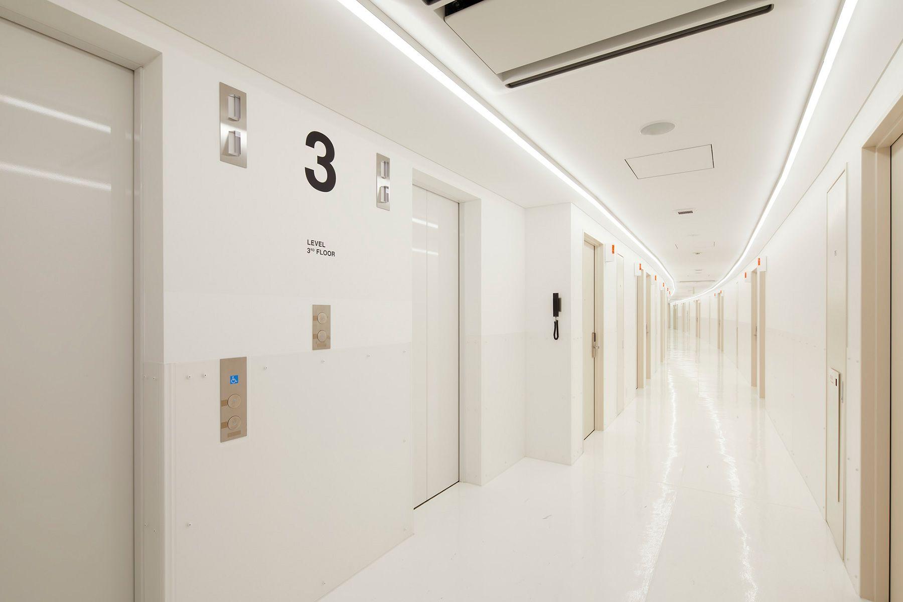 MUSTARD™️ HOTEL SHIBUYA (マスタードホテル シブヤ)客室階 廊下