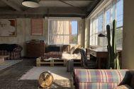 旧海岸第四スタジオ:L字の窓