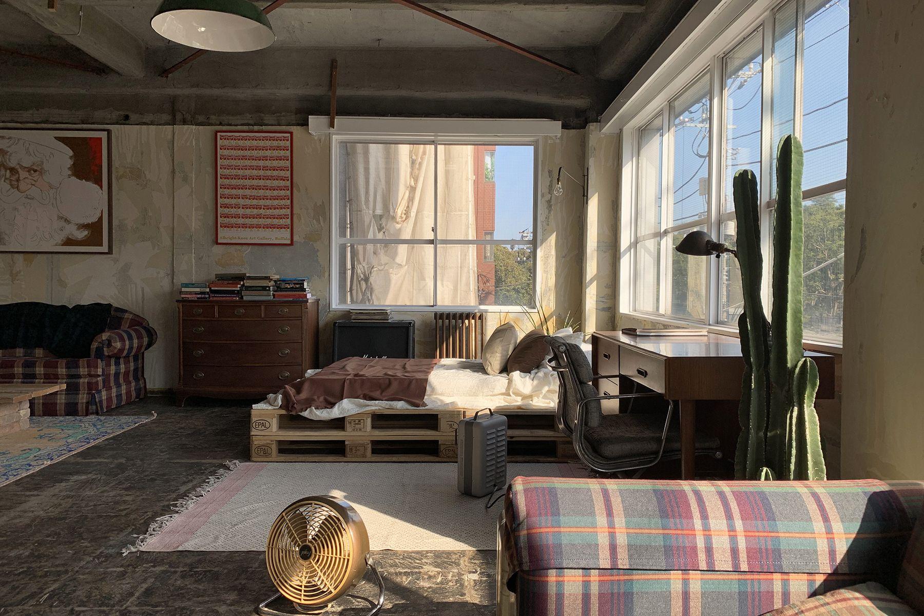 旧海岸第四スタジオL字の窓