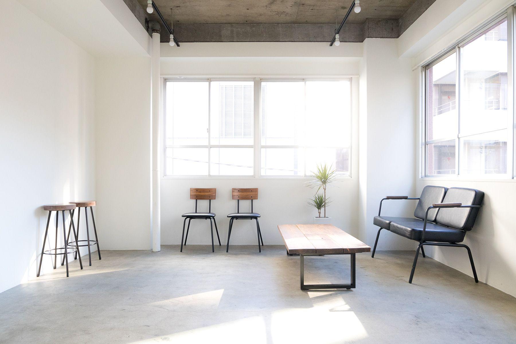 Studio Serato 水道橋 (スタジオセラート水道橋)抜かれた天井とモルタル床