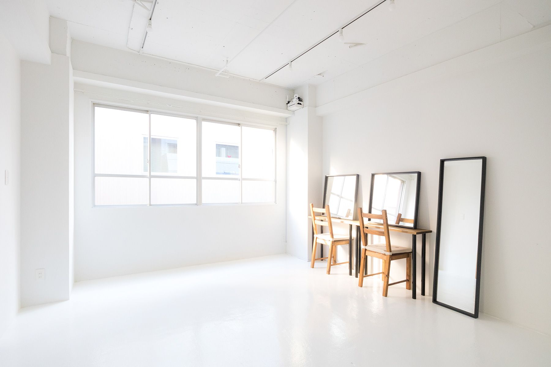 Studio Serato 水道橋 (スタジオセラート水道橋)窓側は柔らかい自然光