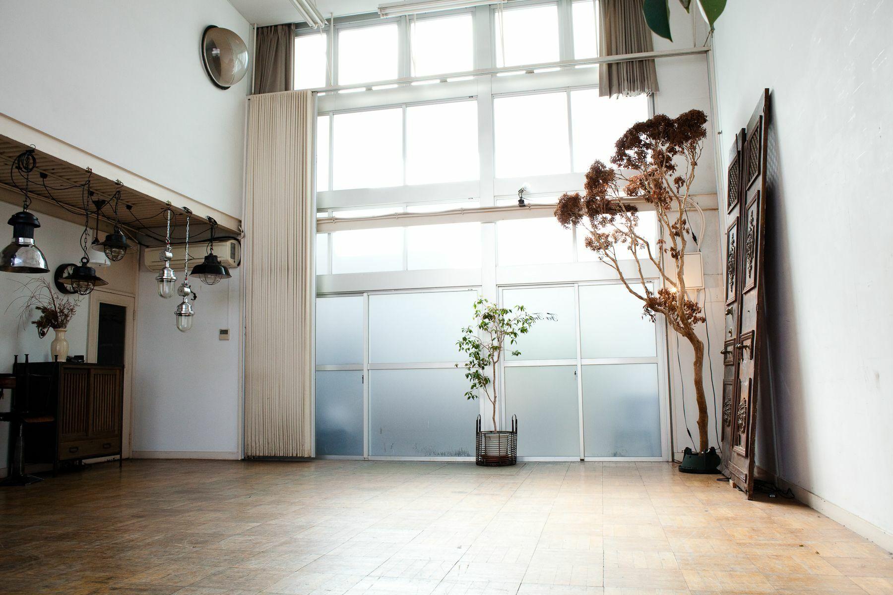 世田谷Atelier(アトリエ)-Studio Licorneマネージメントスペース-家具展示スペース-1