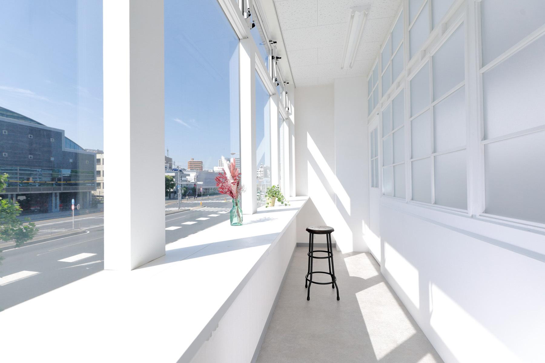 STUDIO TWOBEE  (スタジオ トゥービー)2種類のヴィンテージ加工のドア