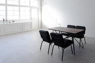 STUDIO TWOBEE  (スタジオ トゥービー):備え付けの家具や小物でアレンジ