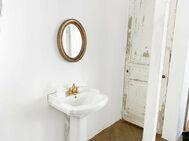 studio douz(ドゥーズ)目黒碑文谷:1F ブルー壁