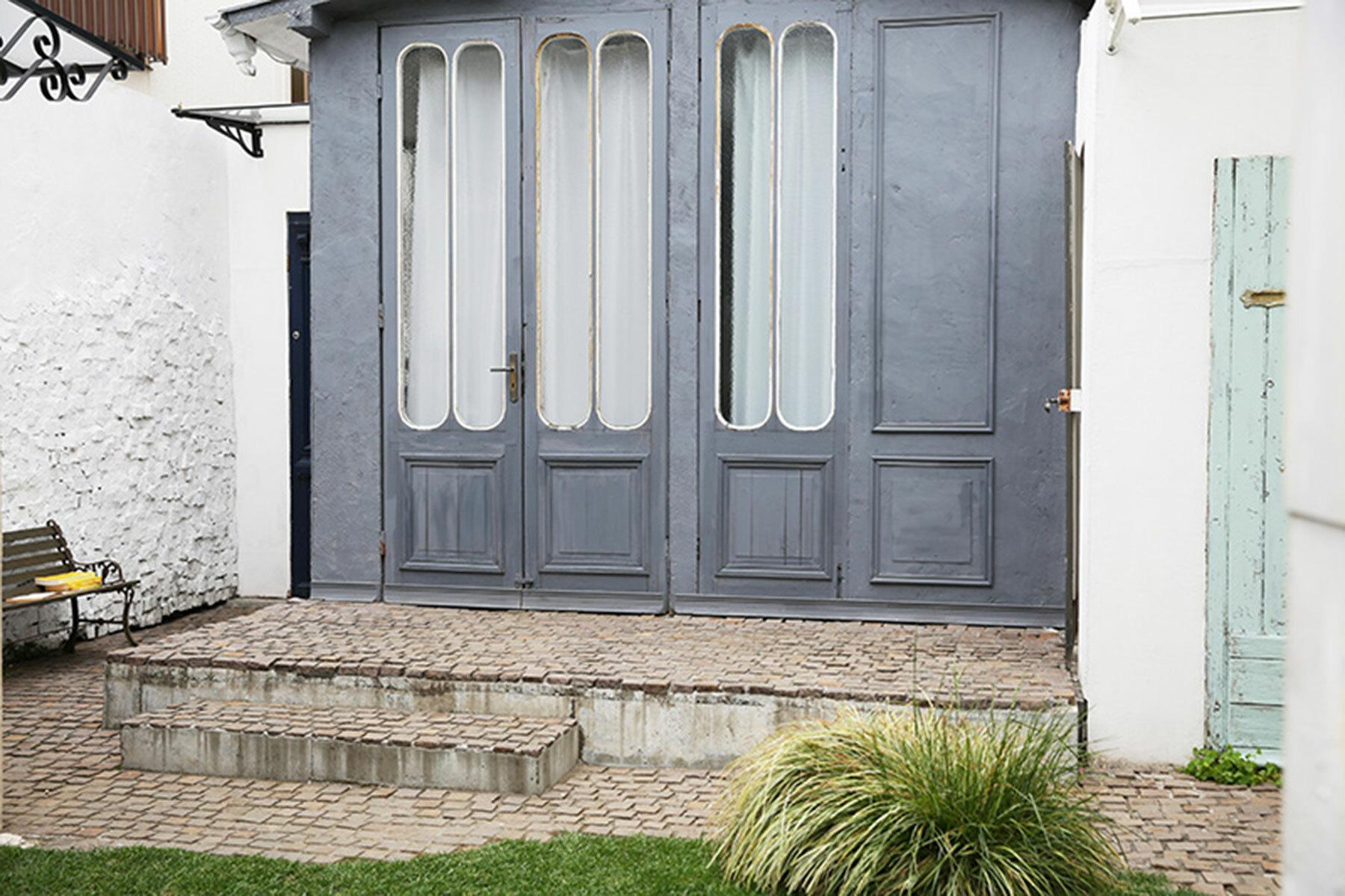 studio douz(ドゥーズ)目黒碑文谷アイアン外扉の内側