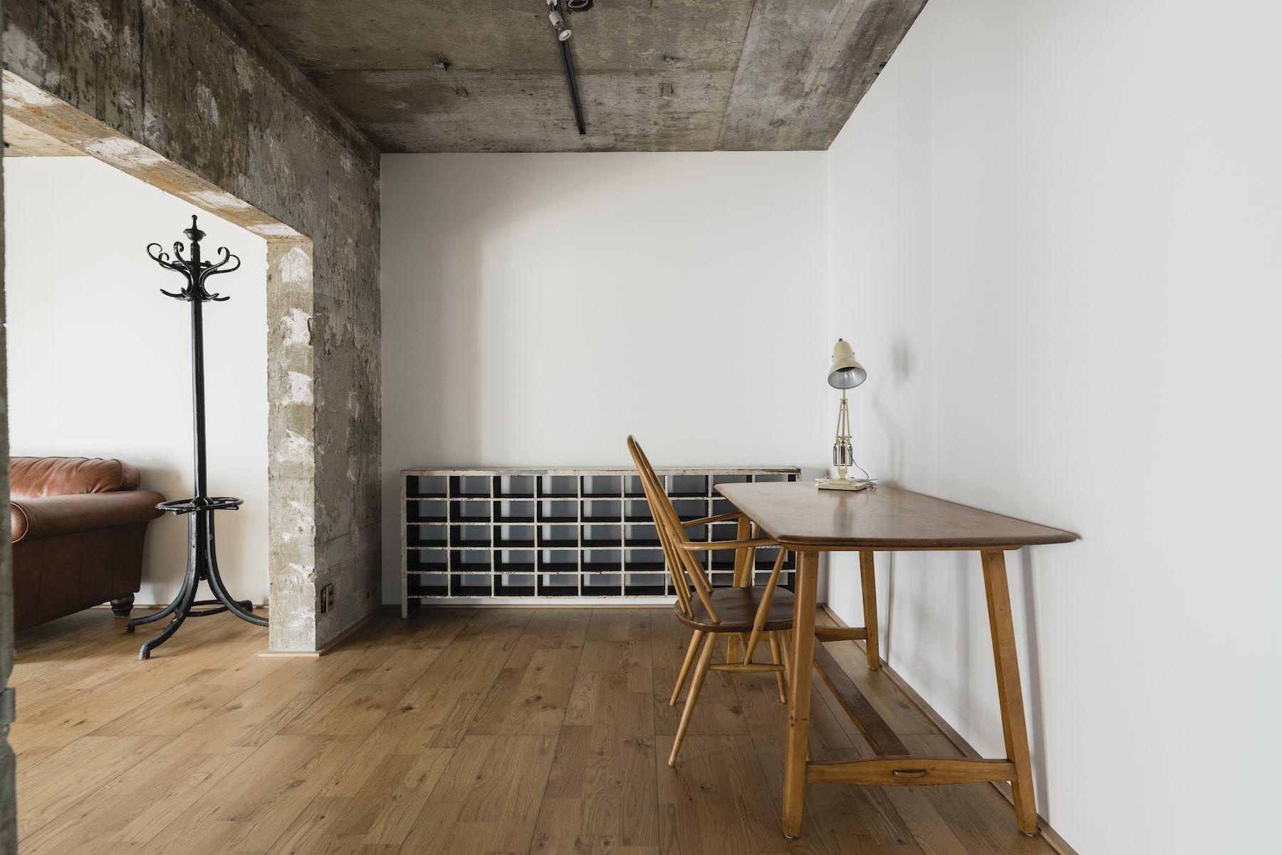 Studio YOKOSHIRO  (スタジオ ヨコシロ)1人暮らしの部屋のように