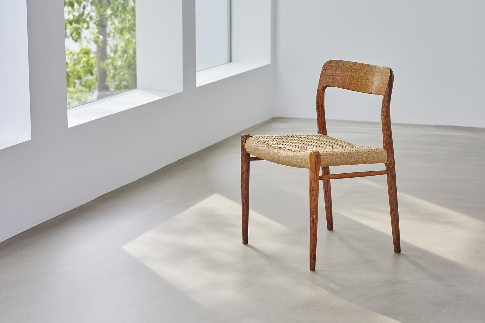 Haku Studio / SUNS日差しと椅子