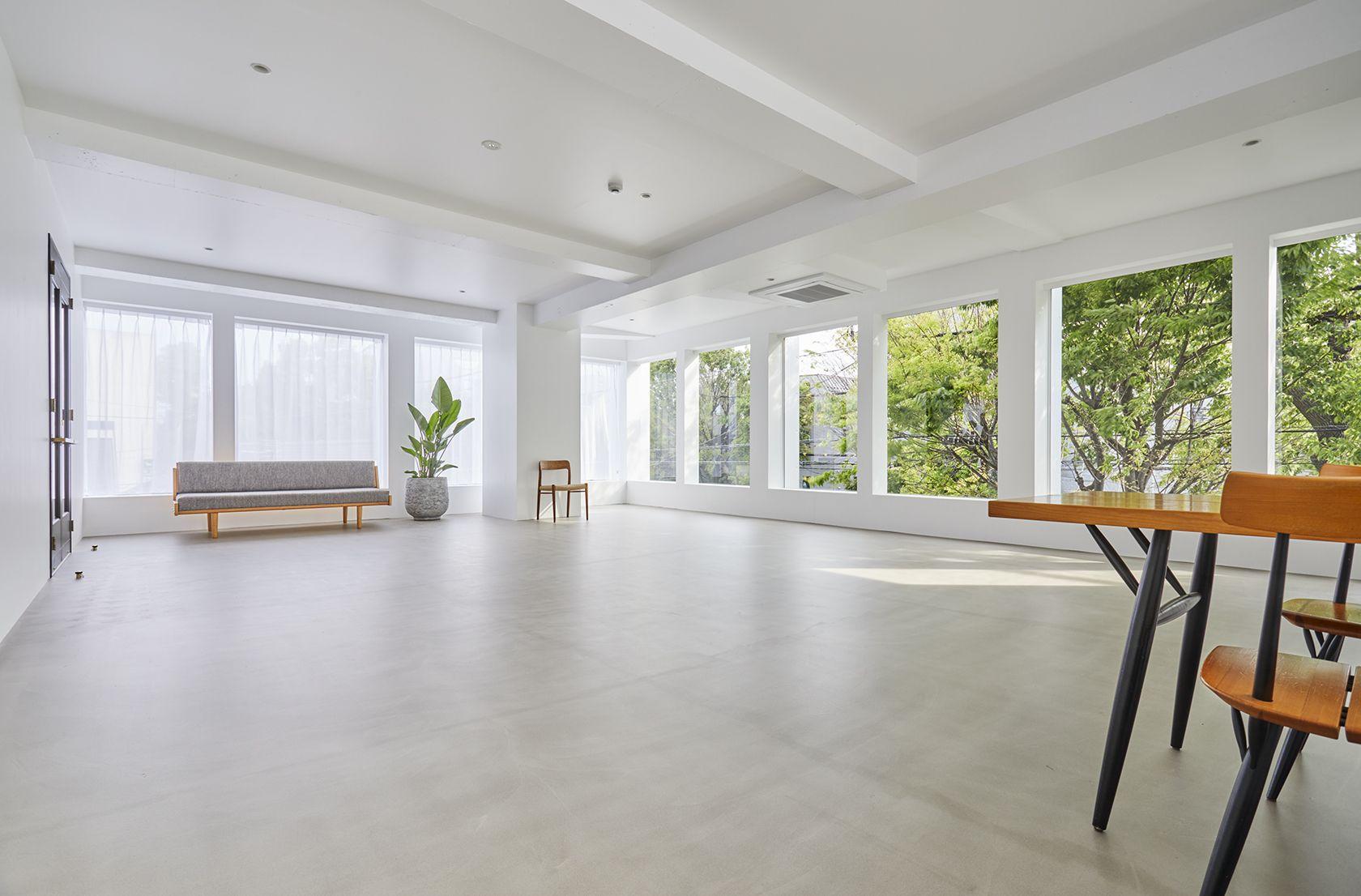 Haku Studio / SUNS3面採光の明るい空間