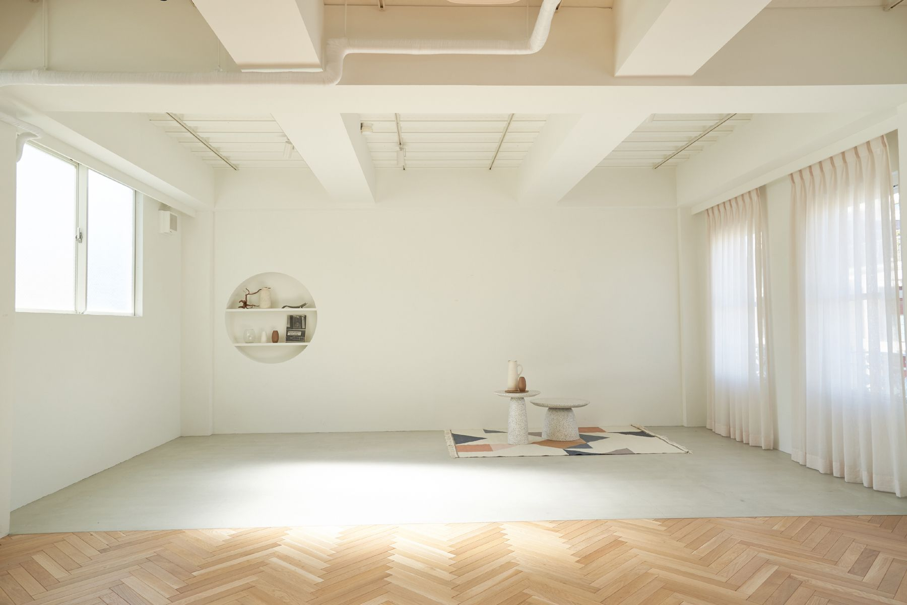 m.mot(ミモット)白壁と自然光