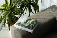STUDIO FLYINGCAT (スタジオ フライングキャット):窓枠は自由に黒と白に変更可能