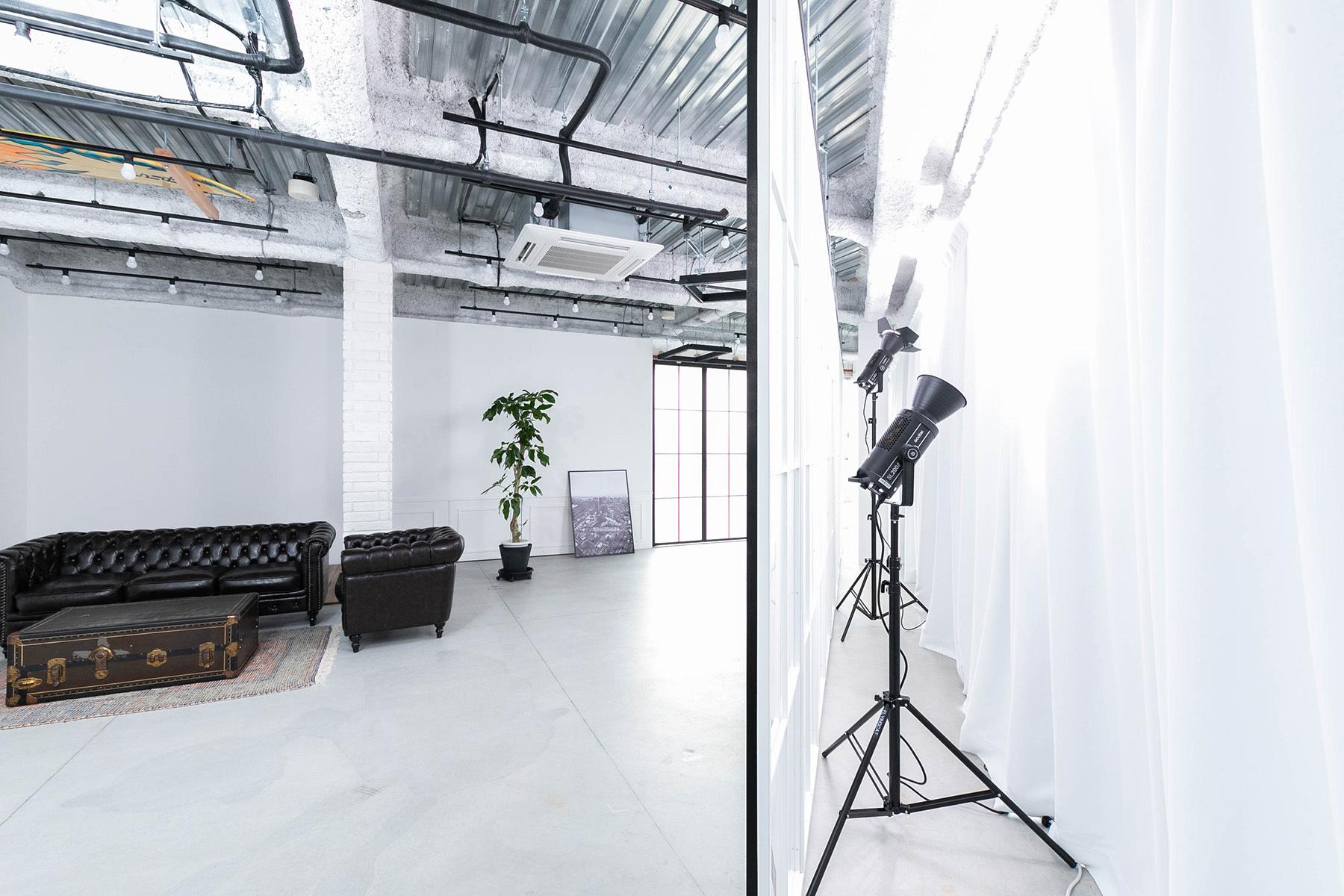 STUDIO FLYINGCAT (スタジオ フライングキャット)大型モニターなど撮影補助ツール