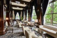 ホテルニューグランド/ マネジメントスペース:ロビーラウンジ 窓側ソファ