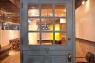 playroom/レンタルスペース (プレイルーム):レトロな入口のドア