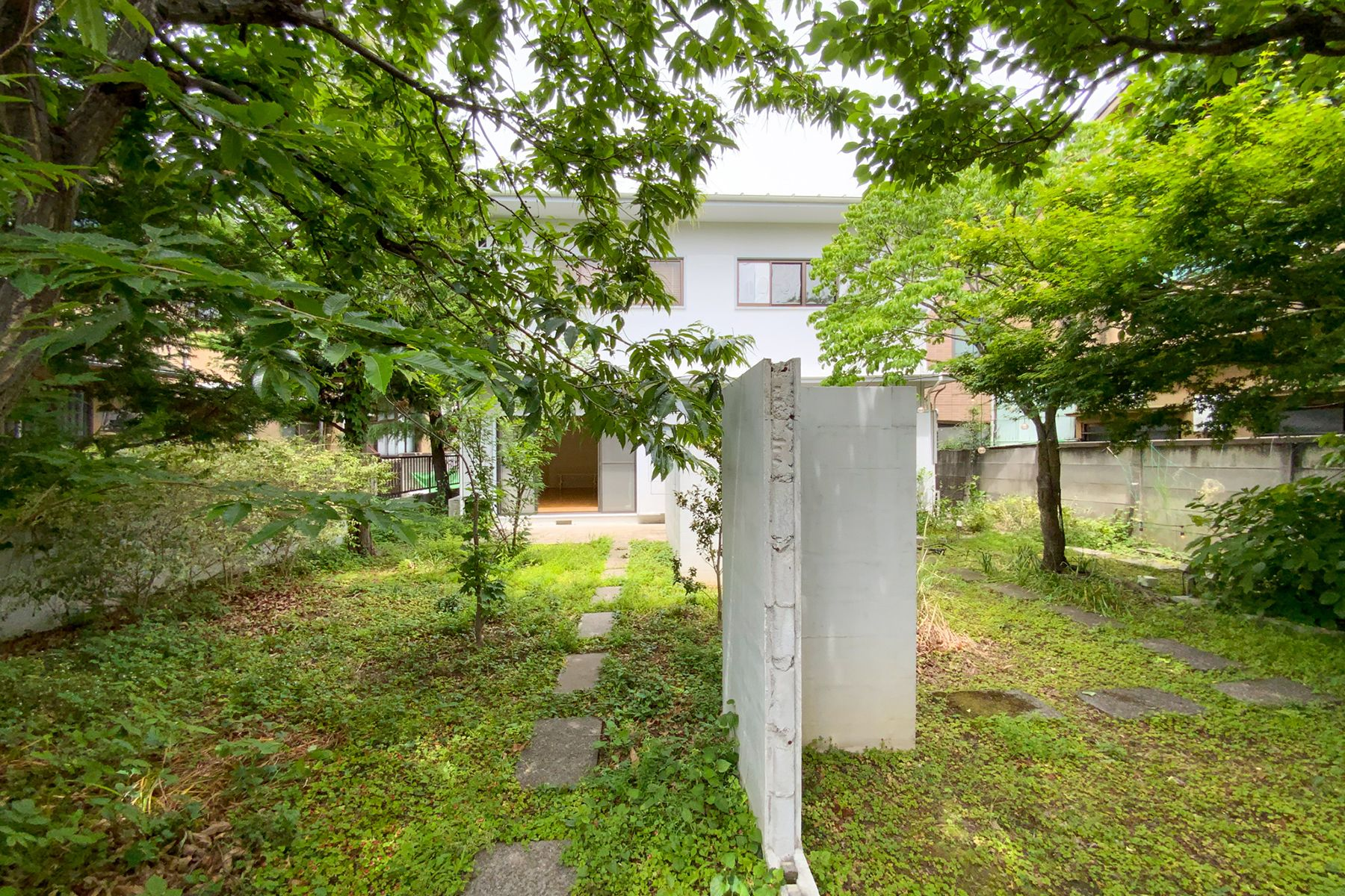 目黒本町テラスハウス2階 現状はブラインド設置