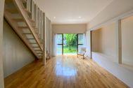 目黒本町テラスハウス:真っ白な階段
