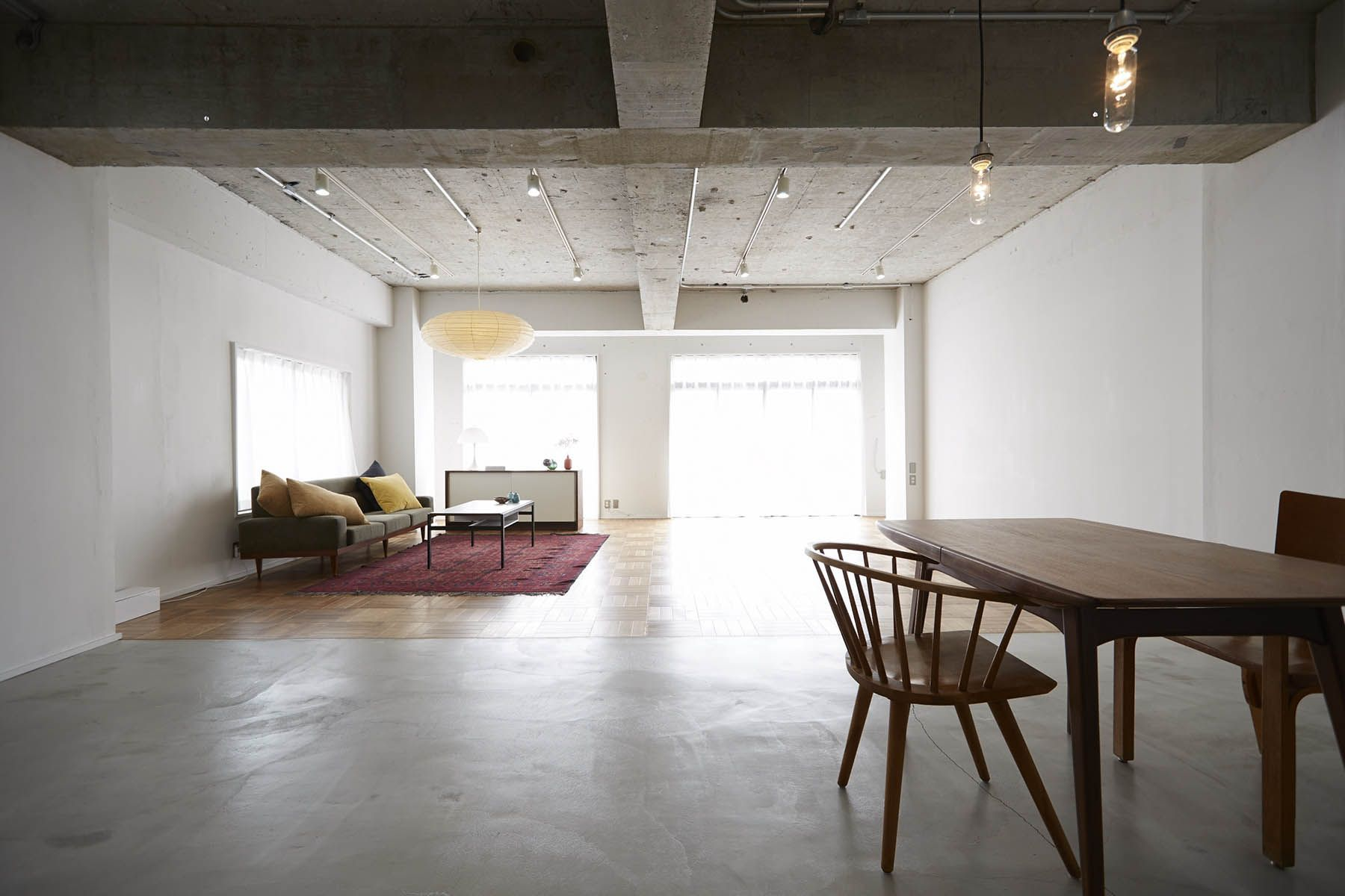 The Factory Aoyama Gaien (ザファクトリー青山外苑)自然光×白壁 生活シーンの撮影に
