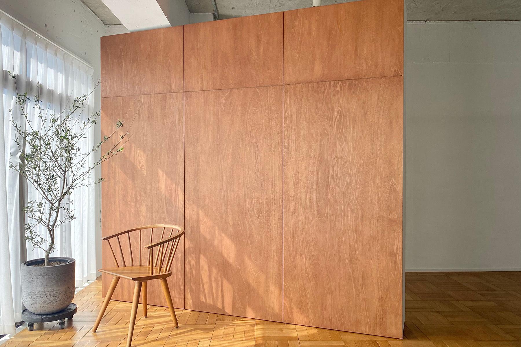 The Factory Aoyama Gaien (ザファクトリー青山外苑)歴史の刻まれた椅子たち