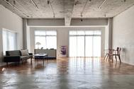 The Factory Aoyama Gaien (ザファクトリー青山外苑):1日中、自然光が入ります