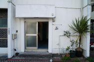 南太田ブランチ/シェアアトリエ:玄関すぐの踊り場