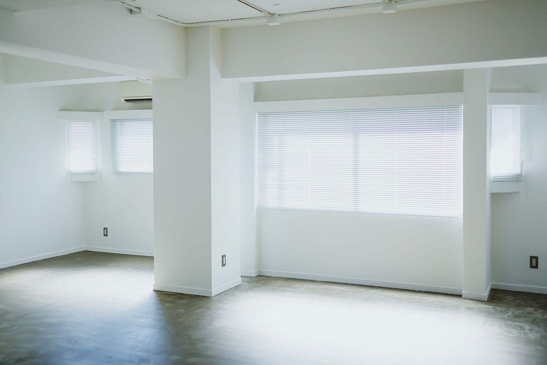 STUDIO LILLARD (スタジオ リラード)南向き複数の窓