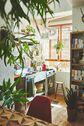 PLEASE GREEN(プリーズグリーン):本棚越しのキッチン