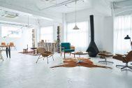 旧海岸第五スタジオ:白い部屋に名作家具