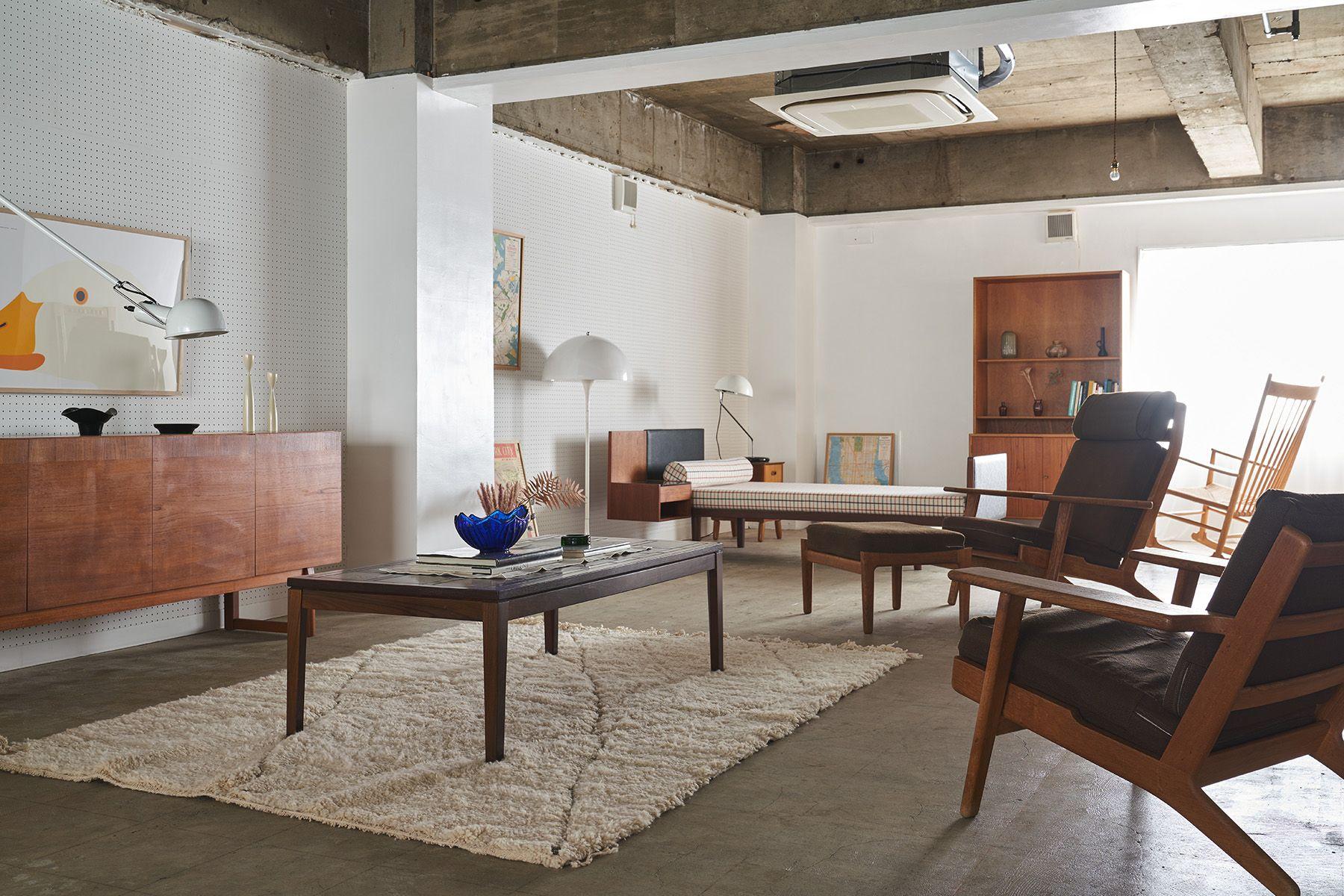 旧海岸第九スタジオヴィンテージ北欧家具が揃う