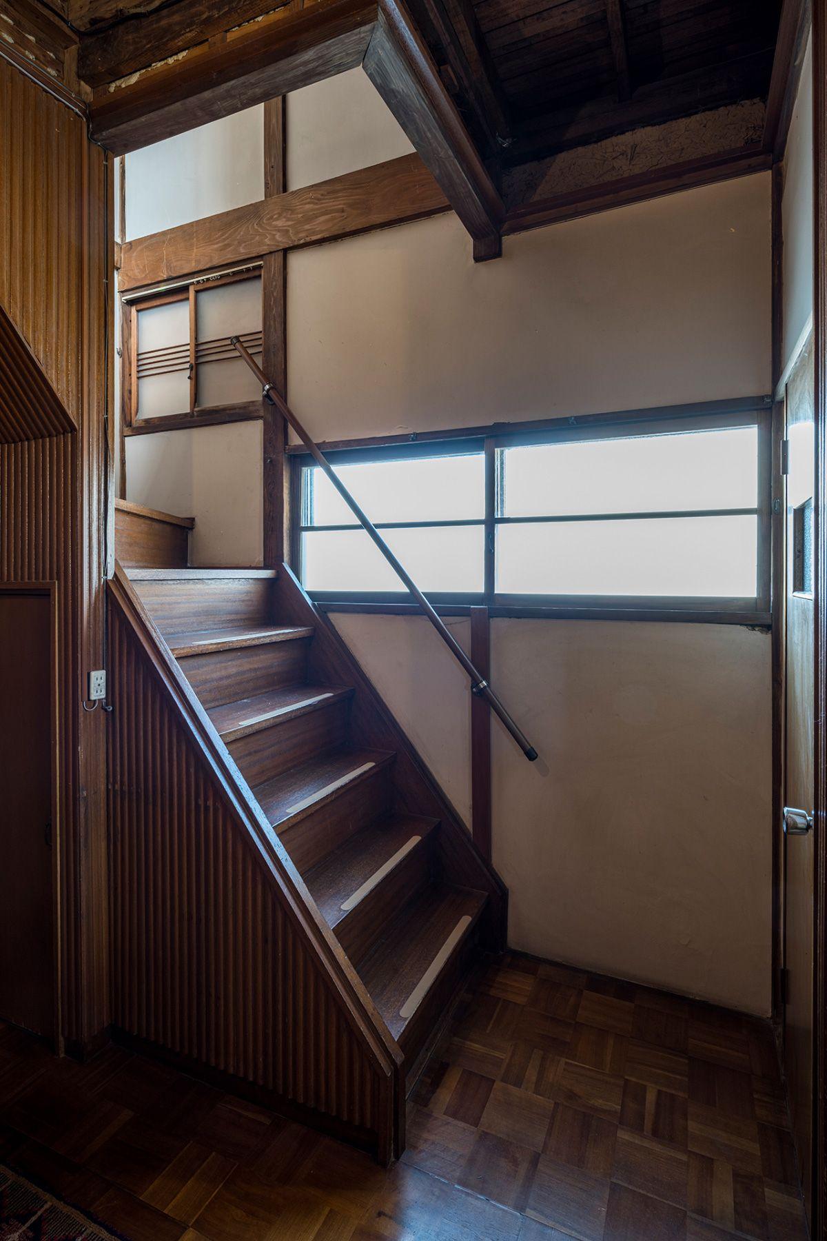 mado/個人宅1F 階段