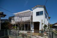 mado/個人宅:外観 個性的な一軒家