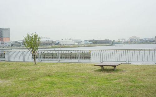 大森ふるさとの浜辺公園柵の横の公園