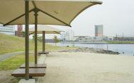 大森ふるさとの浜辺公園:パラソルもあります