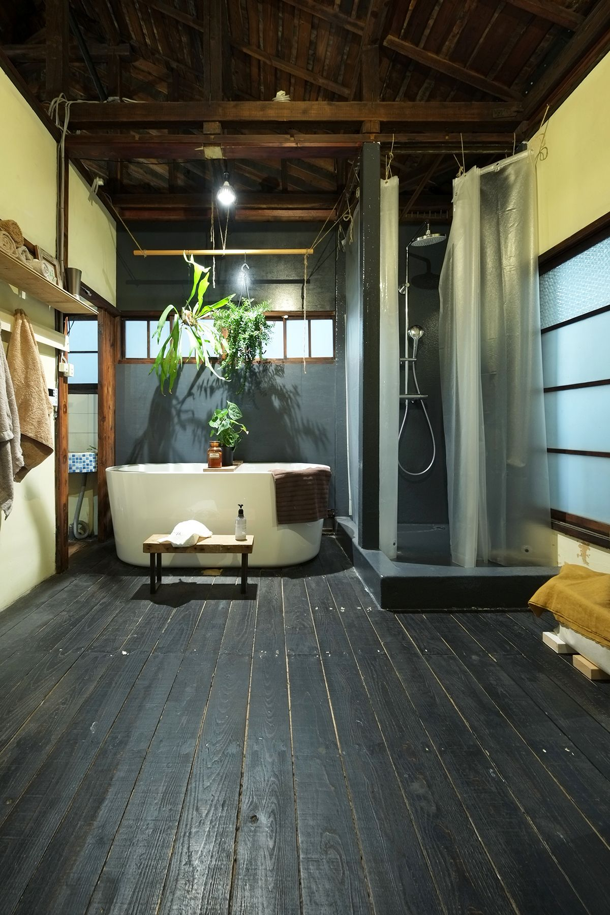 GREENLife JOURNAL THE SHOP (SHOP 兼 個人宅)2F 右側窓は西側