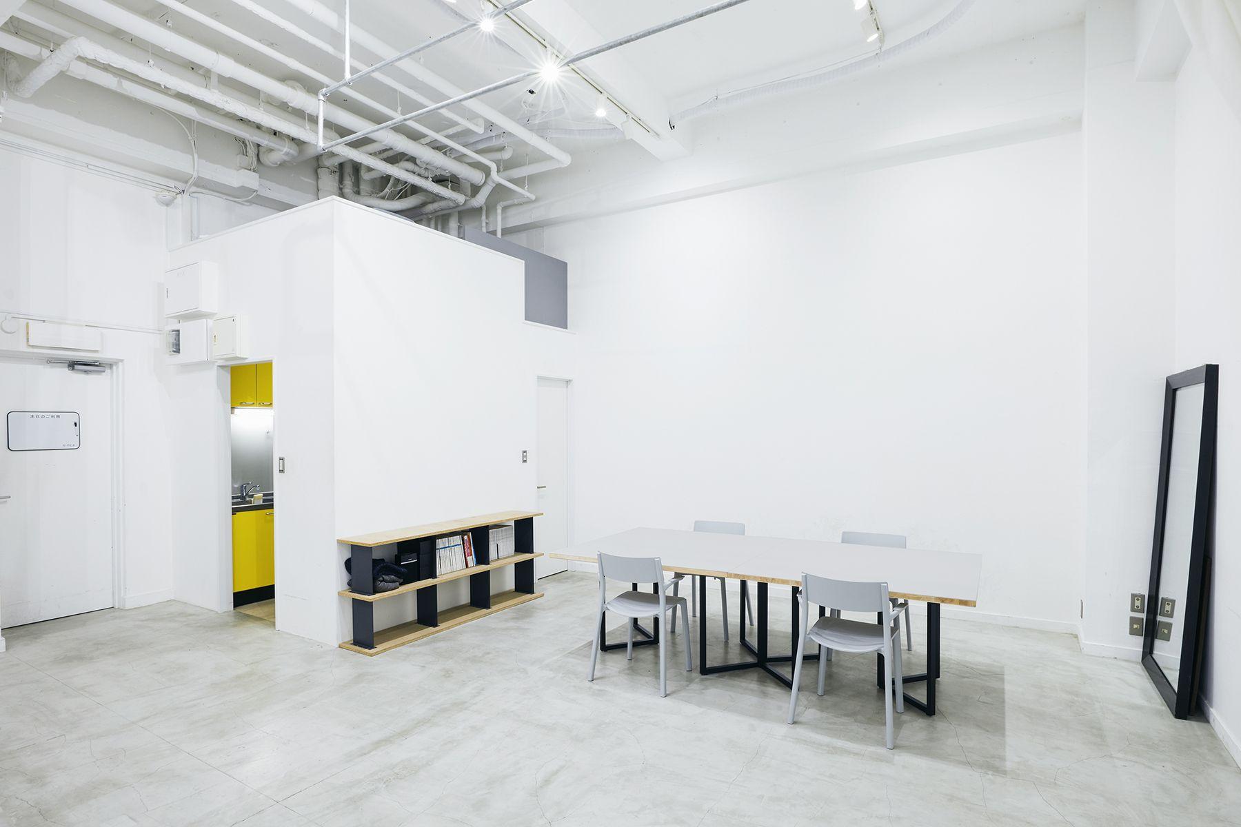 sinca studio 中野坂上 (シンカ スタジオ)広めのテーブルで間隔とれます