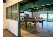 旧海岸第八スタジオ:卓球もできる控室