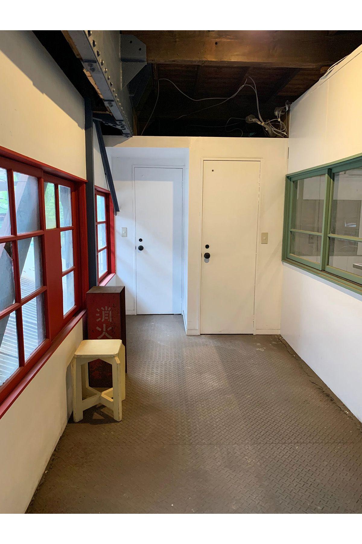 旧海岸第八スタジオトイレ前でも撮影できる