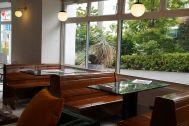 ANEA CAFÉ  松見坂/店舗 (アネアカフェ マツミザカ):路面に面したボックス席