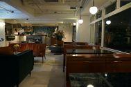 ANEA CAFÉ  松見坂/店舗 (アネアカフェ マツミザカ):夜の店内
