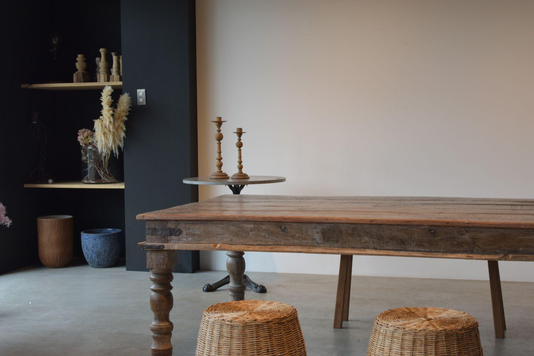 zero two THREE/アトリエ (ゼロ トゥー スリー)風合いのある大きなテーブル