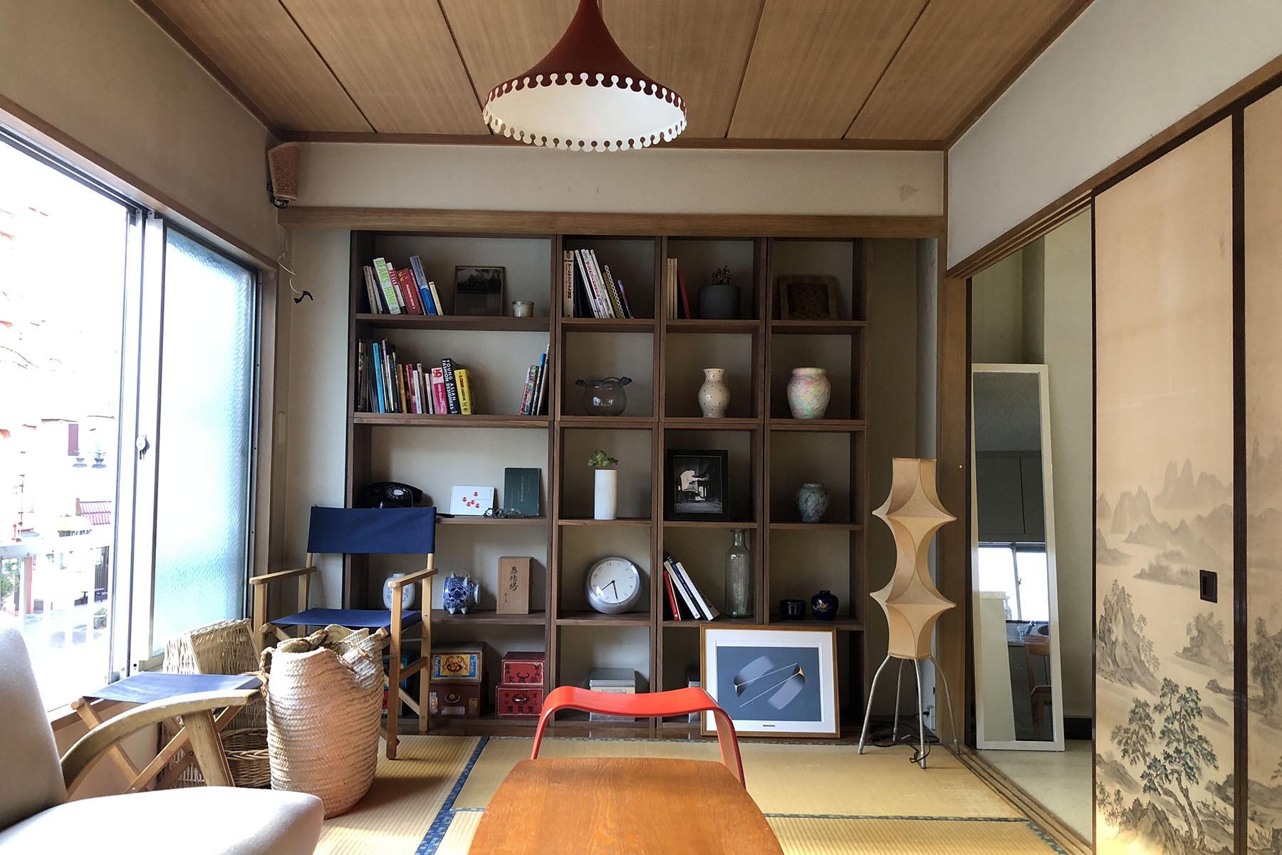 塩/シェアアトリエ (ropeマネジメントスペース)2F 北欧と日本の作品が多数