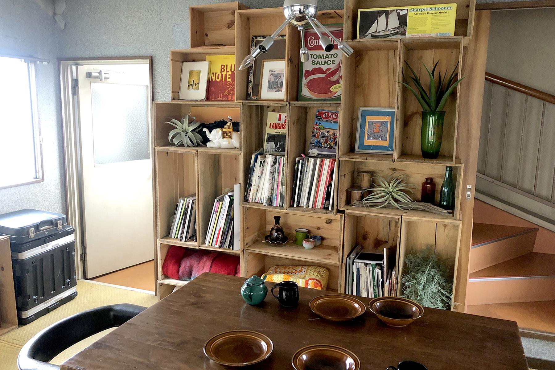 塩/シェアアトリエ (ropeマネジメントスペース)4F ギターとアンプとデッキチェア