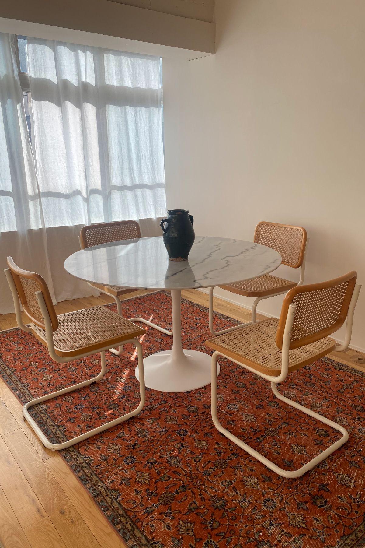 STUDIO H (スタジオ エイチ)B マーブルのテーブル