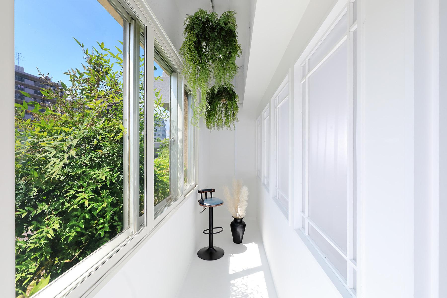 STUDIO FOXTAIL Ast (スタジオ フォックステイル Ast)光と影のライトプロジェクター