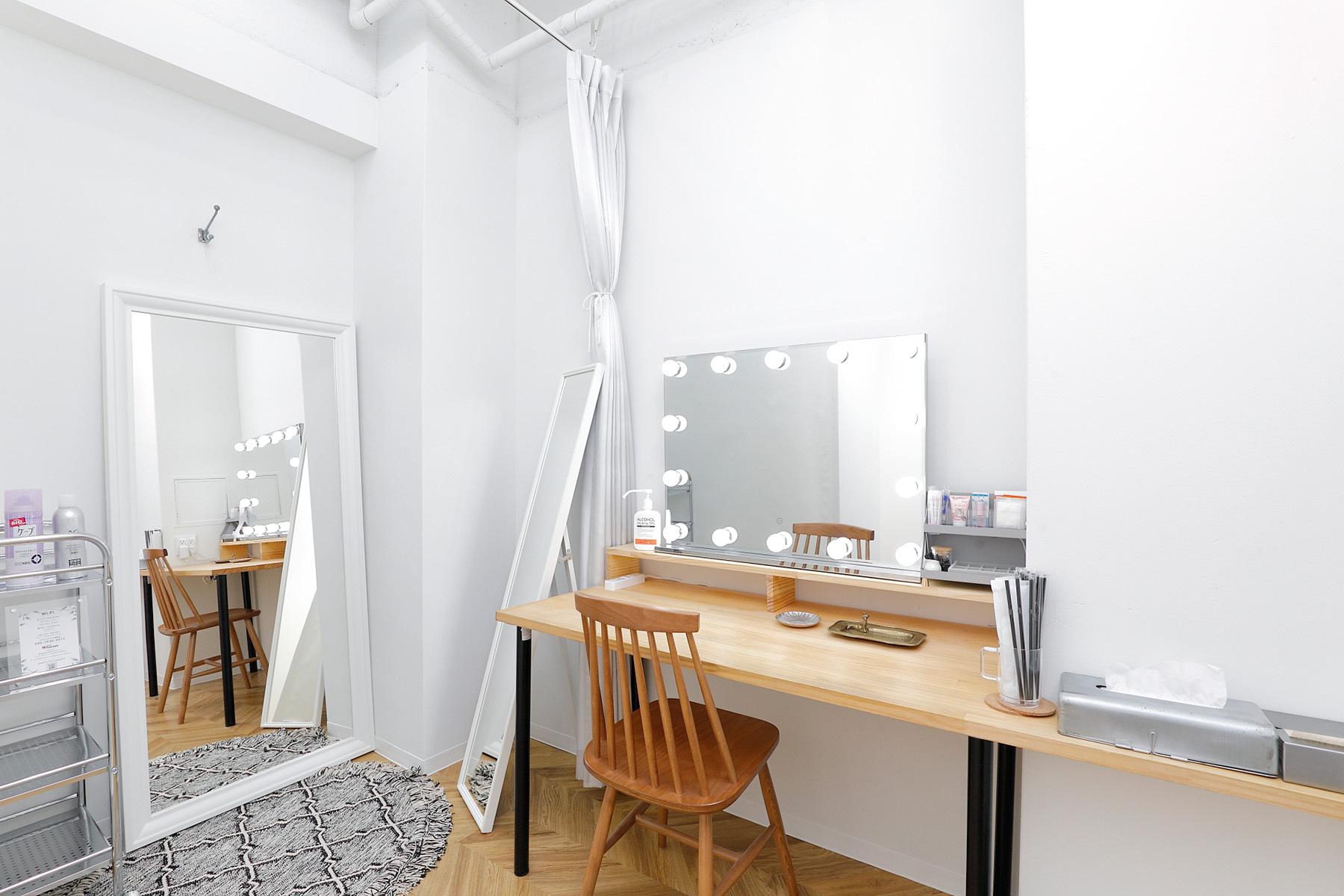 STUDIO FOXTAIL Ast (スタジオ フォックステイル Ast)最新のライブ配信用機材を完備